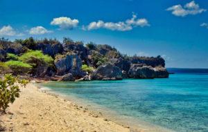 Baie de la plage Aguilas à Pedernales, République dominicaine